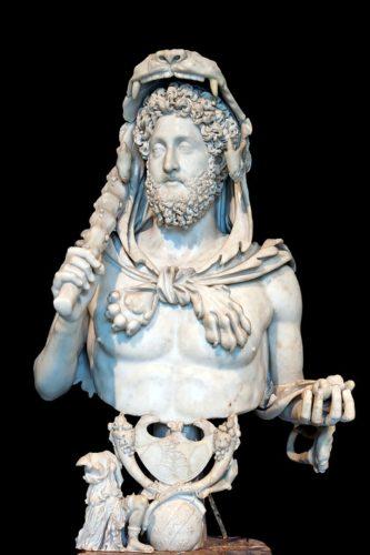 El león de Nemea - estatua del emperador Comodo